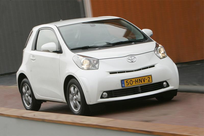 Toyota iQ 1.0 VVT-i Aspiration (2009)