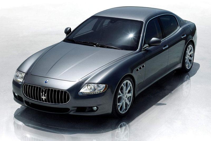 Maserati Quattroporte in het nieuw
