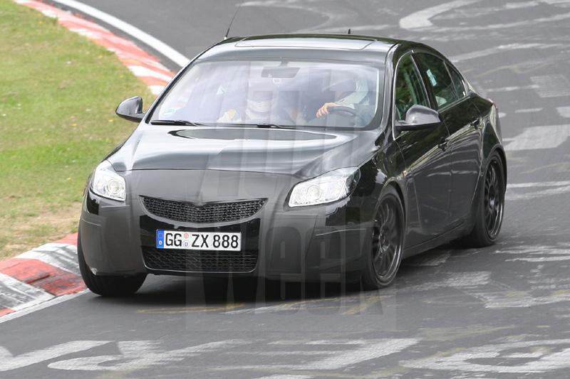Opel test toch met Insignia OPC