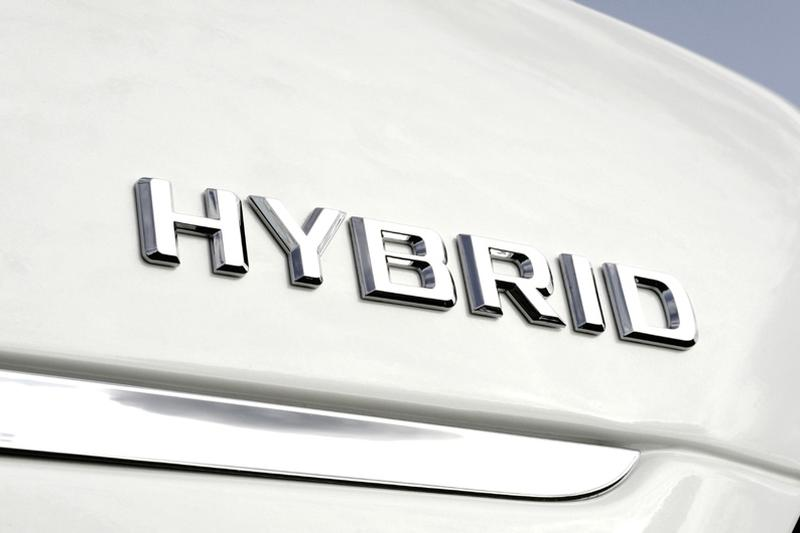 Mercedes: veel hybrides en C-klasse met 3-cilinder