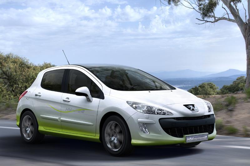 Peugeot trekt doek van hybride 308