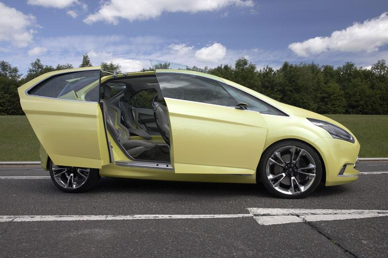 Rij-impressie Ford Iosis