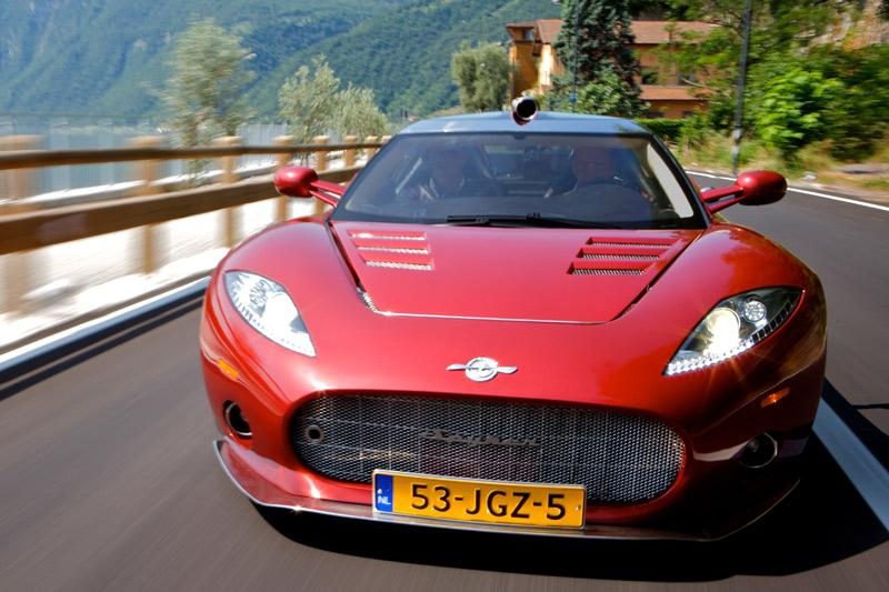 Spyker C8 Aileron oogt goed in 't rood