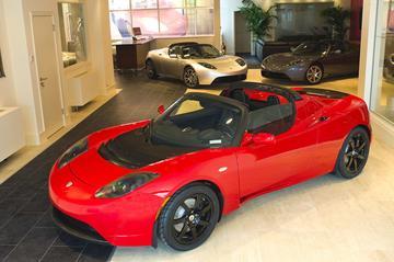 Tesla opent eerste Europese dealer in Londen