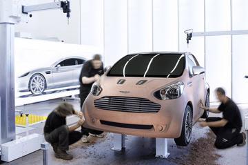 Aston Martin Cygnet: iQ met kapsones