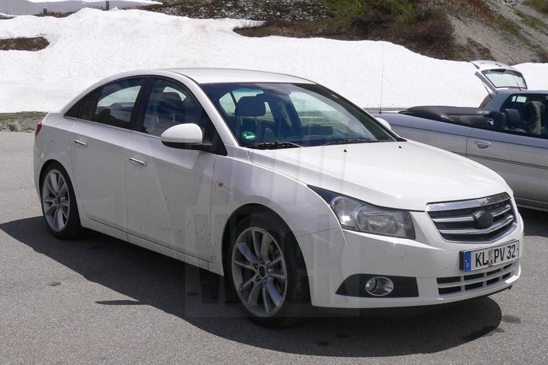 Buick test met Cruze-kloon