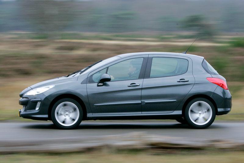 Peugeot 308 XT 2.0-16V HDiF 136pk (2008)