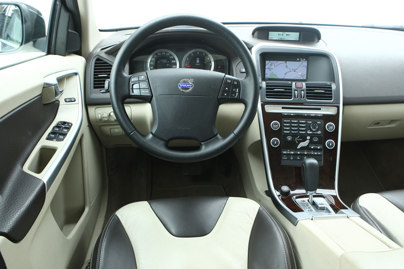 volvo xc60 t6 awd geartronic summum 2009 autotest. Black Bedroom Furniture Sets. Home Design Ideas