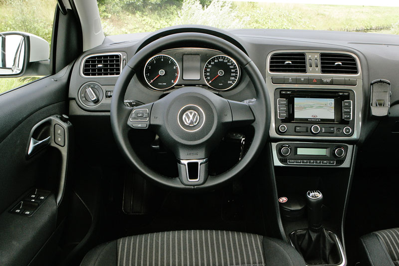 Volkswagen polo 1 4 highline 2009 autotests - Makers van het interieur ...