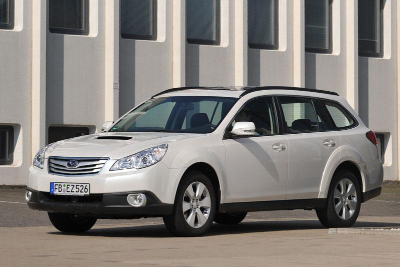 Subaru Outback 2.5i Executive (2010)