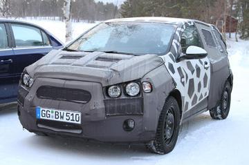 Gewone Chevrolet Aveo trotseert de kou
