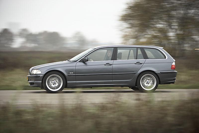Klokje rond BMW 330d Touring