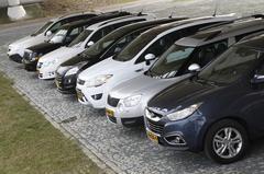 Ford Kuga 2.0 TDCi FWD - Hyundai ix35 2.0 CRDi VGT 2WD - Jeep Patriot 2.0 CRD - Opel Antara 2.0 CDTI - Peugeot 3008 ST 2.0 HDiF - Skoda Yeti 2.0 TDI 140 pk 4x4 - Volkswagen Tiguan 2.0 TDI 4Motion
