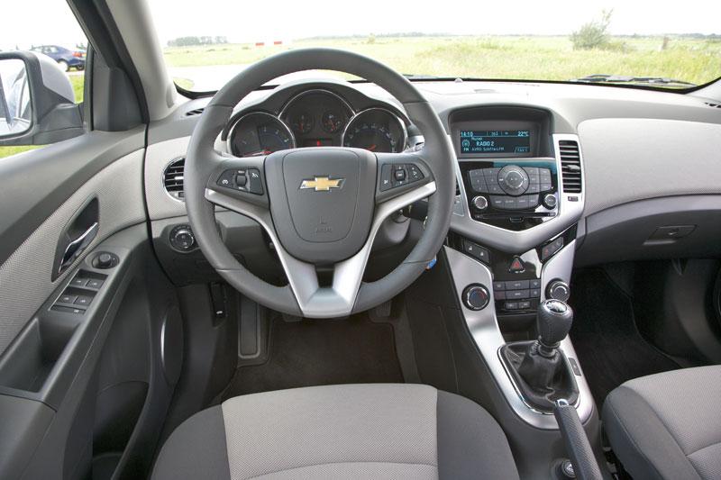 Chevrolet Cruze 1.8 LT (2009) | Autotest - AutoWeek.nl