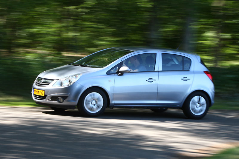 opel corsa 1 2 16v edition 2009 autotest. Black Bedroom Furniture Sets. Home Design Ideas