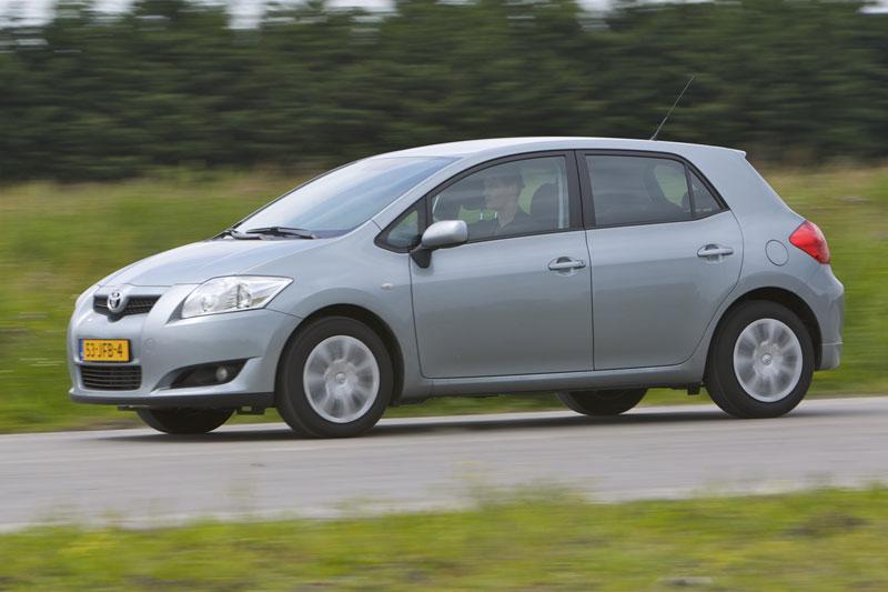 Toyota Auris 1.3 16V VVT-i Aspiration (2009)
