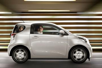Nieuwe basisversie Toyota IQ