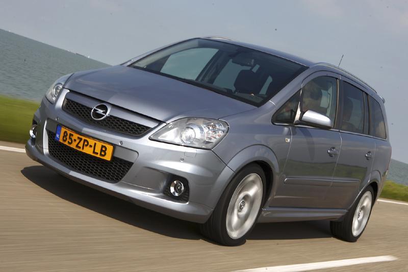 Rijtest en video: Opel Zafira OPC