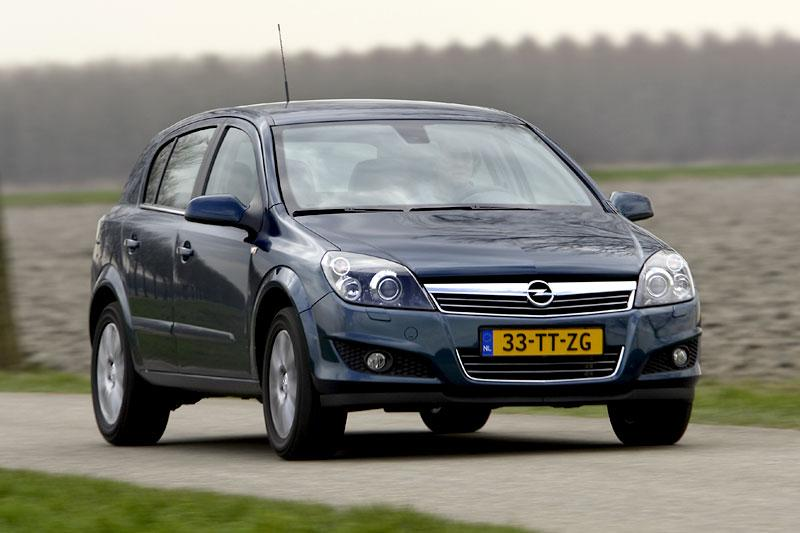 Opel Astra 1.6 Cosmo (2007)