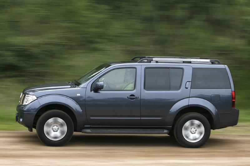 Nissan Pathfinder 2.5 dCi LE Premium (2007)