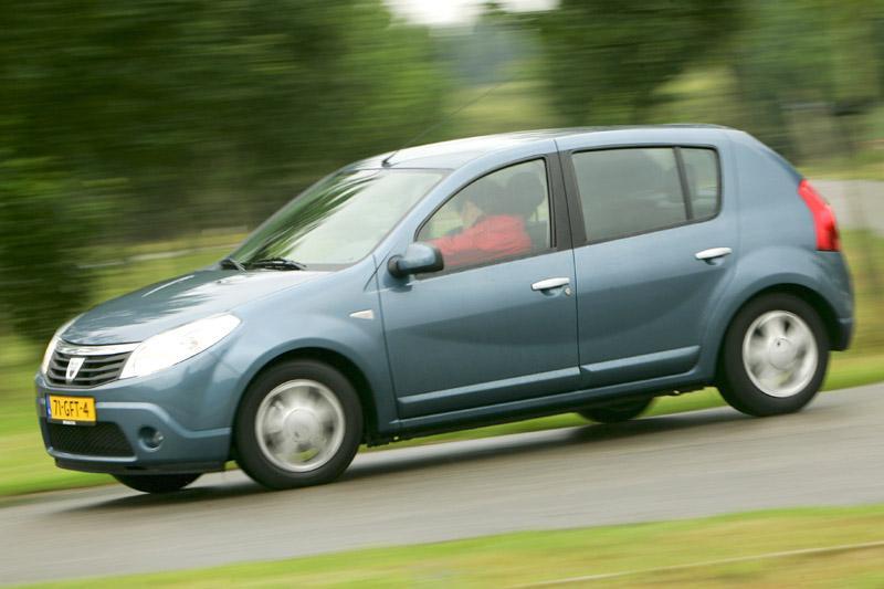 Dacia Sandero 1.6 Lauréate (2008)