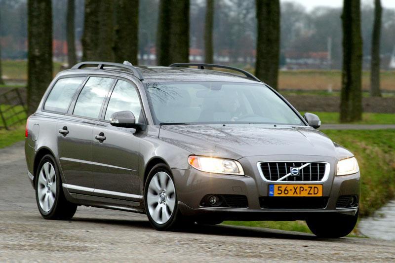 Volvo V70 2.4D Momentum (2008)