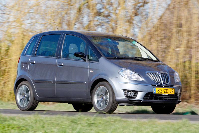 Lancia Musa 1.4 16v Platino (2008)