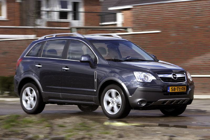 Opel Antara 3.2 V6 Cosmo (2007)