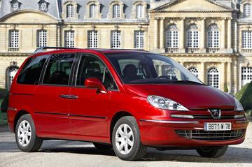 Peugeot 807 ST 2.0-16V HDiF 136pk (2008)