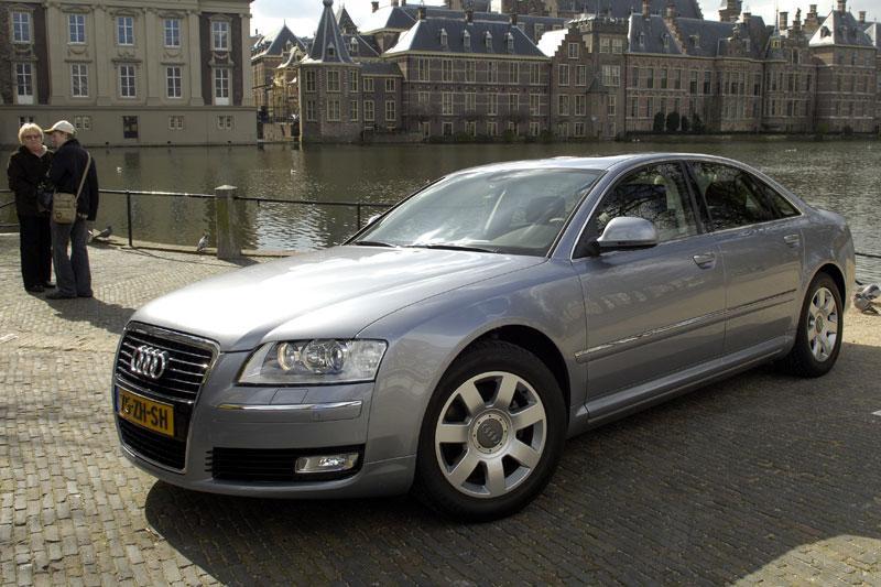 Audi A8 2.8 FSIe (2008)