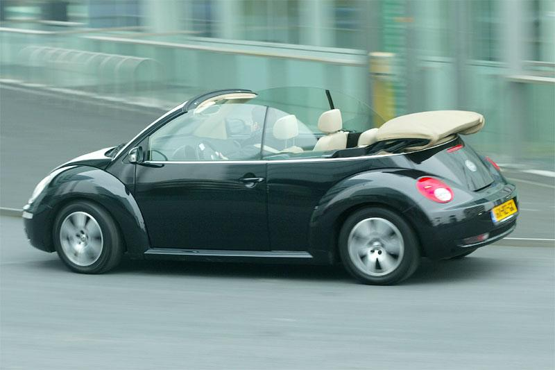 Volkswagen New Beetle Cabriolet 1.6 Highline (2006)