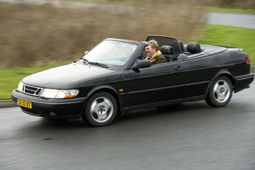 Klokje rond Saab 900 Cabriolet