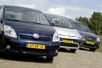 Toyota Verso-Kia Carens-Citroën Grand C4 Picasso