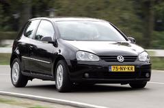 Volkswagen Golf 2.0 16V FSI Sportline