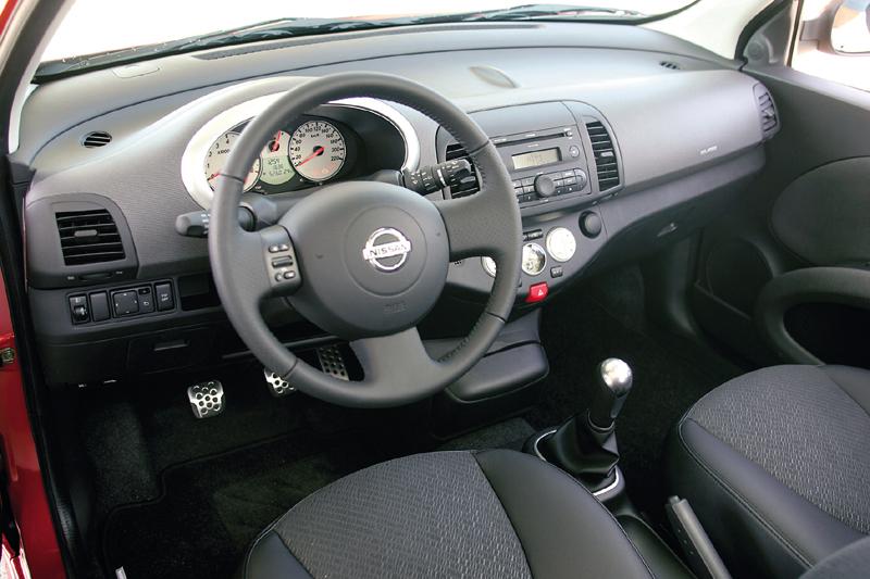 Nissan micra 1 6 160sr 2005 autotest for Interieur nissan micra 2000