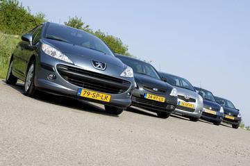 Peugeot 207 1.6 16V / Renault Clio 1.6 16V / Toyota Yaris 1.3 / Suzuki Swift 1.5