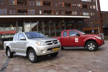 Nissan Navara 2.5 dCi SE King Cab 4WD – Toyota HiLux 2.5 D–4D 4WD SX Xtra Cabine