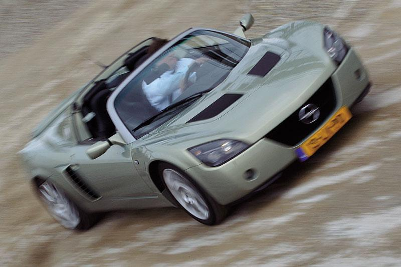Opel Speedster Turbo (2004)