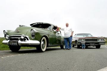 Oldsmobile 88 Club Sedan/ Cadillac Coupe de Ville