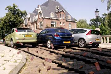 Opel Astra GTC 1.9 CDTi 150 pk Cosmo – Citroën C4 Coupé 2.0 HDi 16V VTS – Ford F