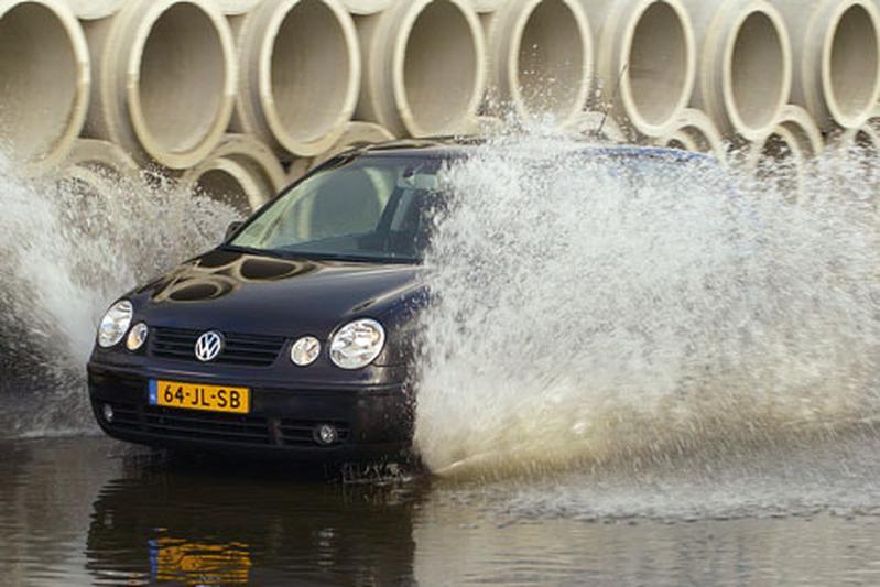 Volkswagen Polo 1.4 16V 100 pk Sportline (2003)