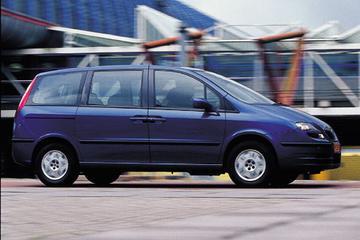 Fiat Ulysse 2.2 16v JTD Emotion (2003)