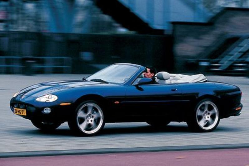 Jaguar XKR Convertible (2002)