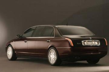 Lancia Thesis opgerekt