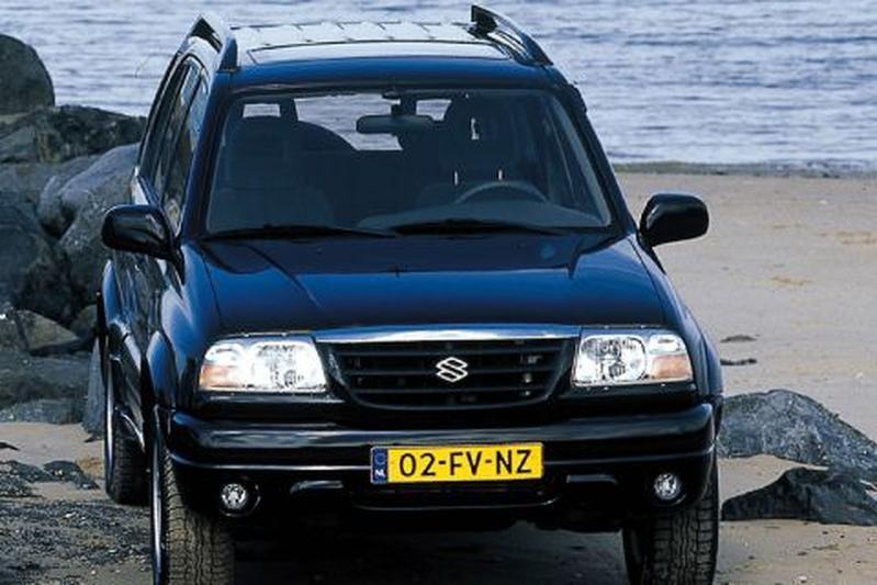 Suzuki Grand Vitara 2.5 V6 (2001)