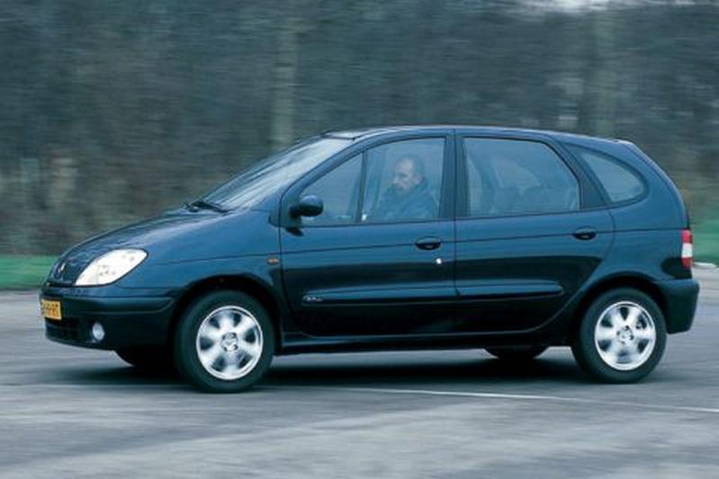 Renault Scénic 2.0-16V Privilège (2002)