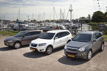 Mitsubishi Outlander 2.4 4WD - Hyundai Santa Fe 2.4i 4WD - Opel Antara 2.4 4WD