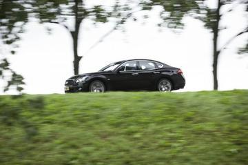 Infiniti M37 S Premium (2010)