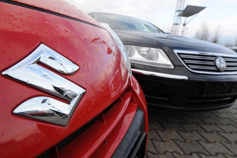 VW broedt op overname Suzuki