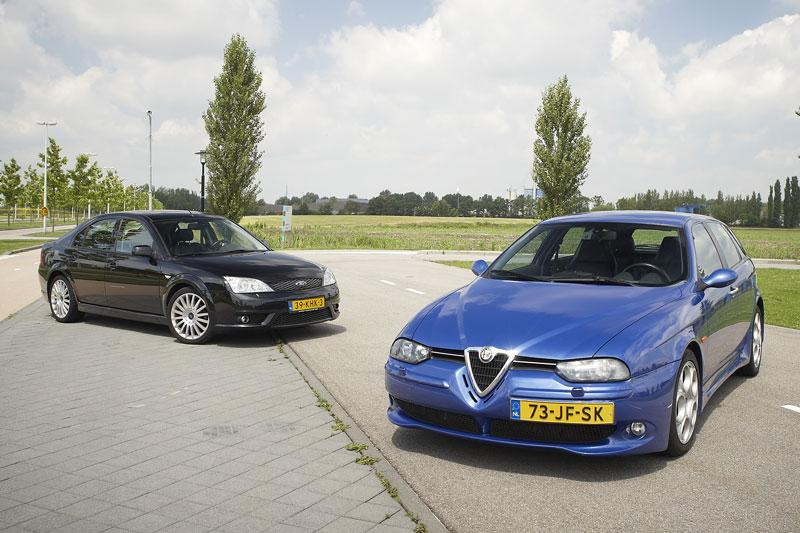 Ford Mondeo ST220 vs Alfa Romeo 156 GTA
